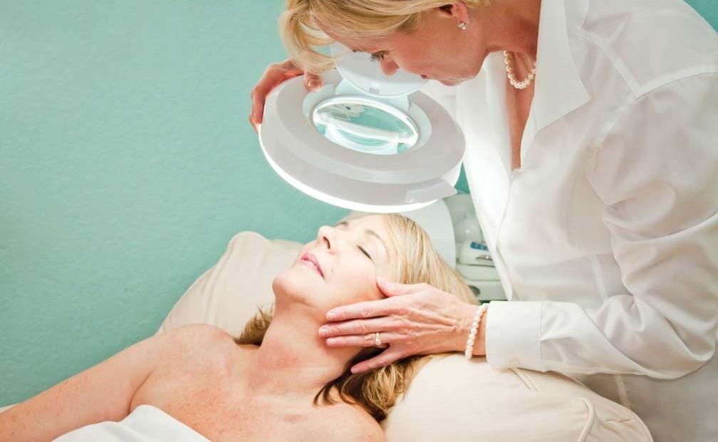 Чем занимается дерматология?.